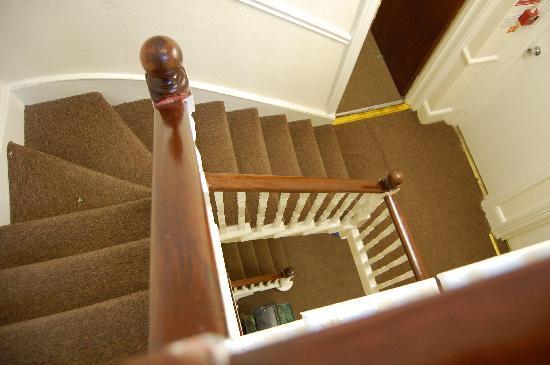 Chiswick Court Hotel: dettaglio scala