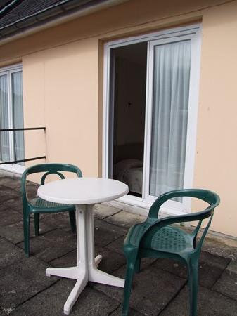 Hotel Des Rosiers : La terrasse