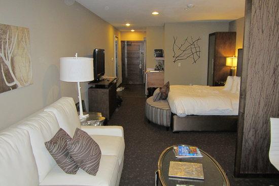 ذا أوكسفورد هوتل بيند: Our huge suite