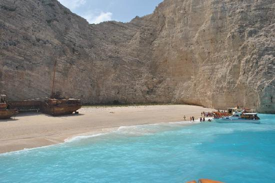 Playa Navagio: empty beach
