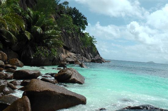 Four Seasons Resort Seychelles: wunderschöner Strand