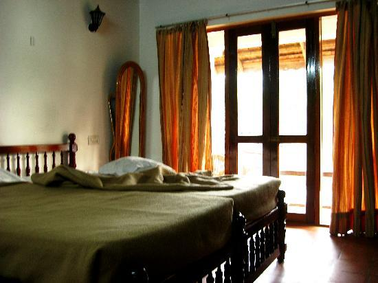 Coir Village Lake Resort: Inside the room