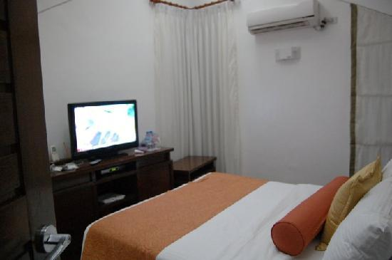 Acuatico Beach Resort & Hotel: villa 2nd floor bed room