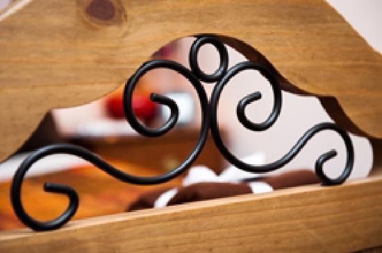 Craigievar Bed & Breakfast: Bed Detail in Room 3