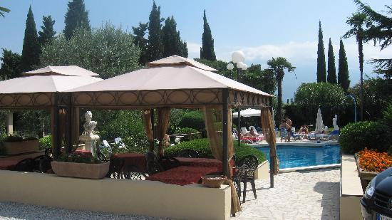 Toscolano-Maderno, Italien: Piscina dell'hotel