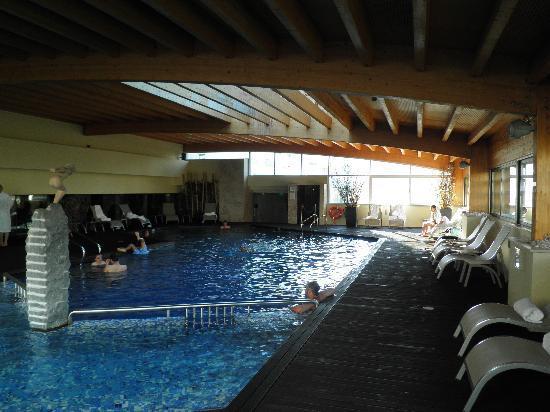 Swimming pool on the 2nd floor picture of corinthia hotel lisbon lisbon tripadvisor for Lisbon boutique hotel swimming pool