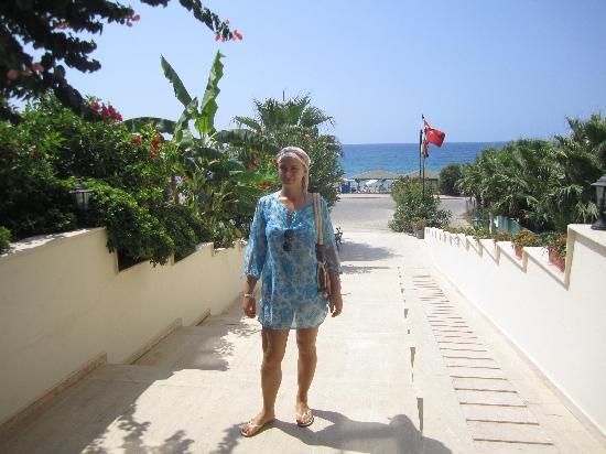 Rheme Beach: entrance to the hotel