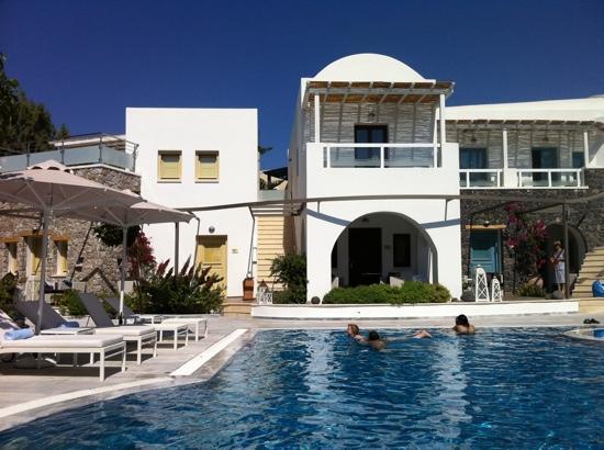 La Mer Deluxe Hotel & Spa: hotel's main pool
