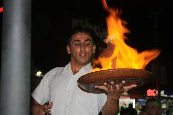 Sultan Ahmet Restaurant: Dinner is served!