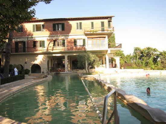 The pool picture of albergo posta marcucci bagno - Bagno vignoni hotel posta marcucci ...