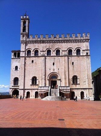 Palazzo dei Consoli e Museo Civico