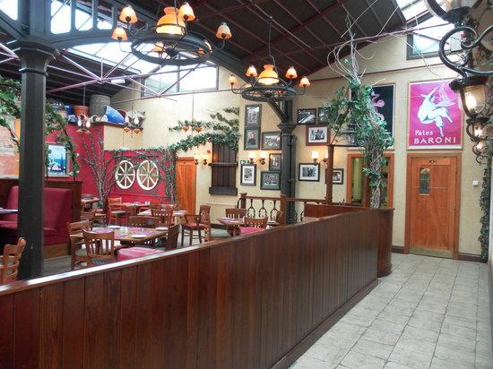Che Vita Ristorante: Restaurant area