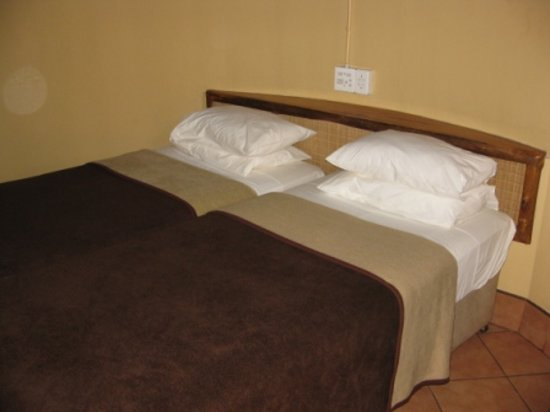 Hluhluwe Game Reserve, South Africa: Comfy bed :)