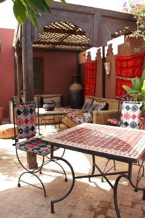 Riad La Porte Rouge: terraza