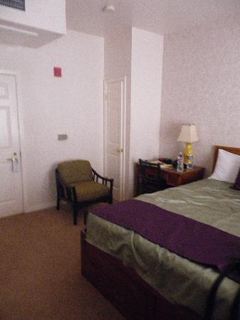SW Hotel : La chambre