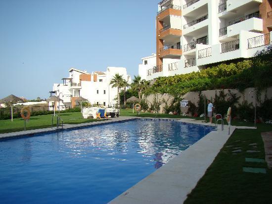 Apartamentos Fuerte Calaceite: the pool