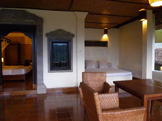 Villa Indah Ubud : Terrasse de la chambre