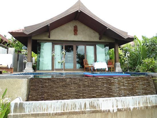 Nora Buri Resort & Spa: Beachpool Villa von aussen