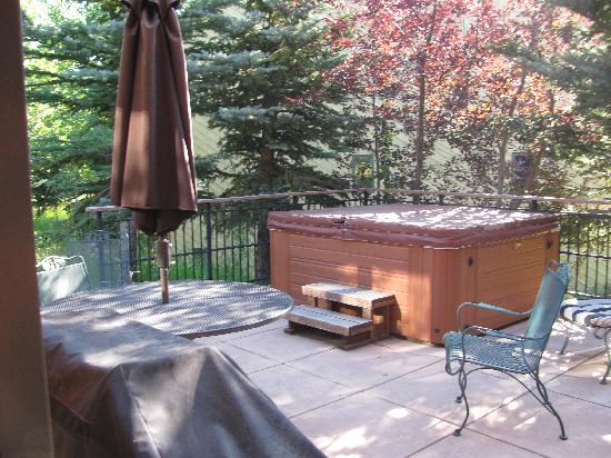 Moose Creek Townhomes: Back Patio (maintenance guy said new cover for hot tub is on order)