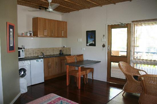 Cocos Castaway: Villa Interior