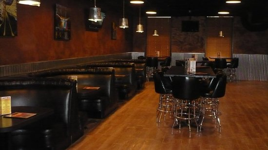 Tap House Grill & Lounge: Our lounge