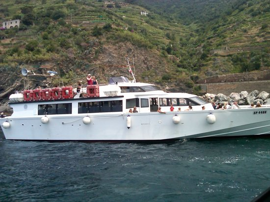 5 Terre Gulf of the Poets : One of the Ferries