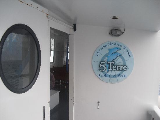 Consorzio Marittimo Turistico Cinque Terre Golfo dei Poeti : Inside boat