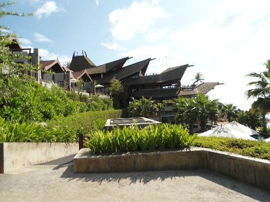 Nora Buri Resort & Spa: Das Restaurant unten neben den Villen und Pool