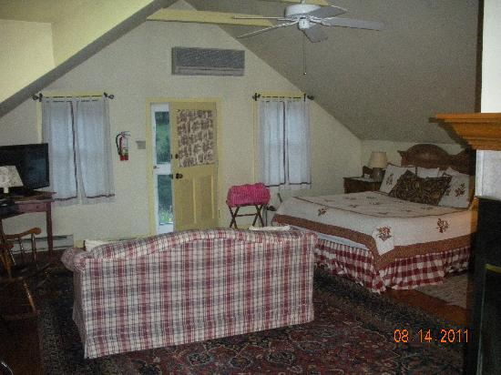 Boxwood Inn Bed & Breakfast: inside