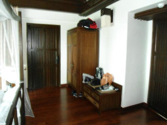 Nora Buri Resort & Spa: Eingang ins Zimmer