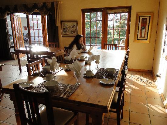 Fynbos Guest House: The living room