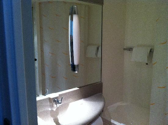 Novotel Narbonne Sud : Badezimmer