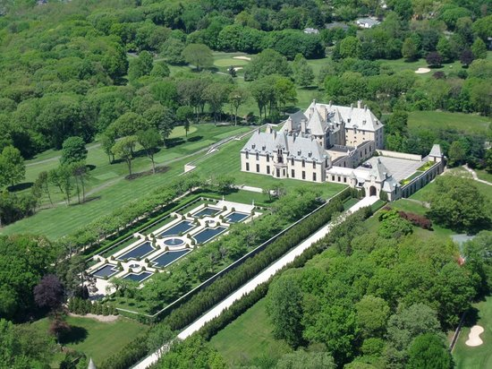 Huntington, État de New York : Oheka Castle - Arial View