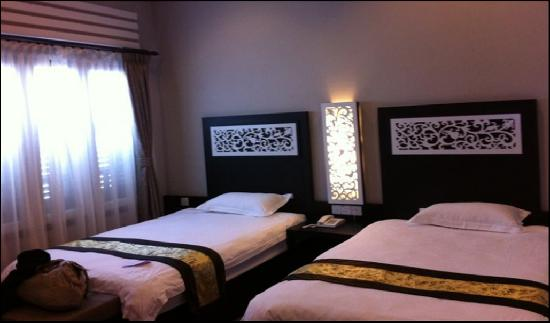 Jonker Boutique Hotel: absolutely possessive beds...