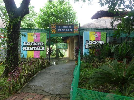 Binan City, Philippines: lockers  for rent...
