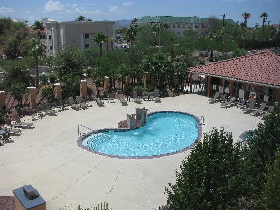 Residence Inn Tucson Airport: pool area