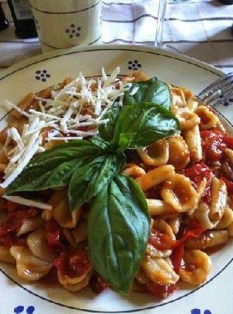 Masseria Bosco: orecchiette al pomodoro