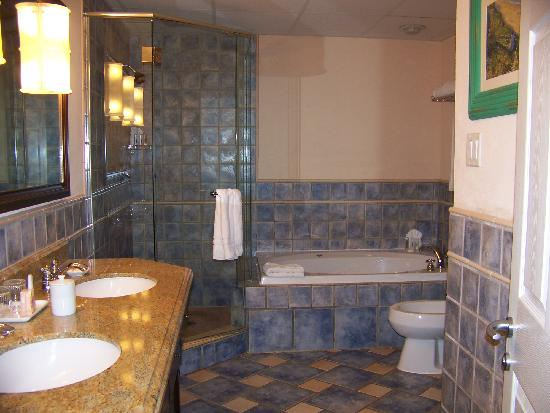 St. Kitts Marriott Resort & The Royal Beach Casino: master bath in 2nd bedroom suite
