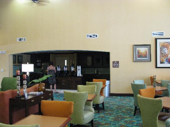 Homewood Suites by Hilton Palm Desert: social area
