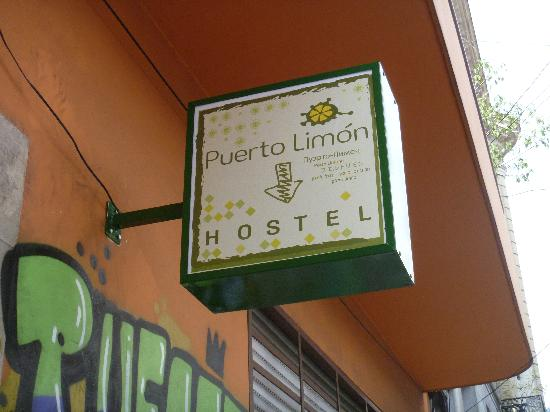 Puerto Limon Hostel: Puerto Limon Sign