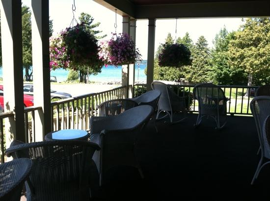 Stafford's Bay View Inn: front porch view