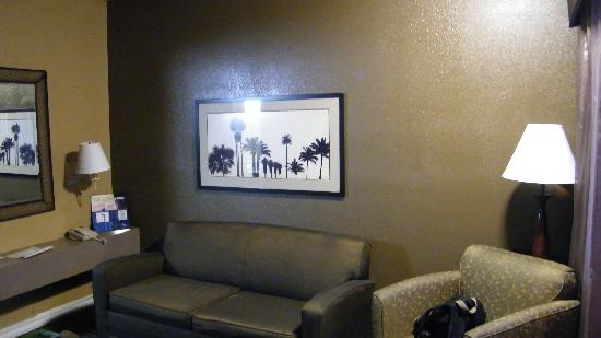 BEST WESTERN Royal Sun Inn & Suites: front room