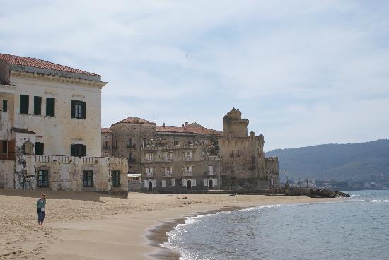 Castellabate, Italie : Local beach.....great