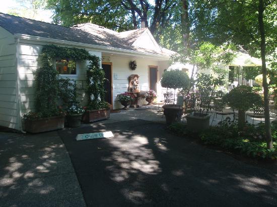 Cottage Grove Inn: Office