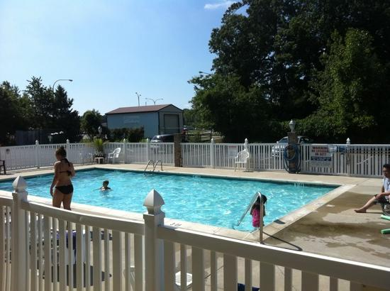 Holiday Inn Express Rehoboth Beach: Pool