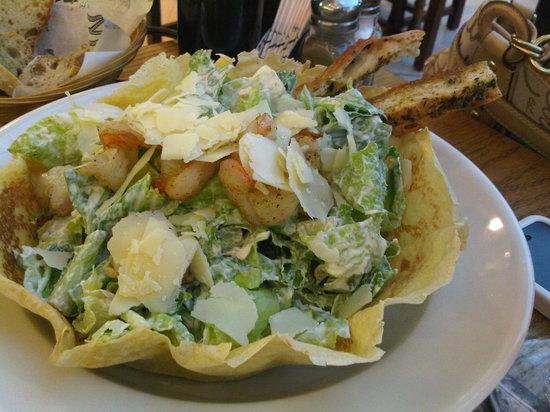 Paul Cafe: Shrimp Ceaser Salad