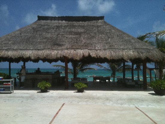 El Dorado Royale, by Karisma: Love this beach bar!