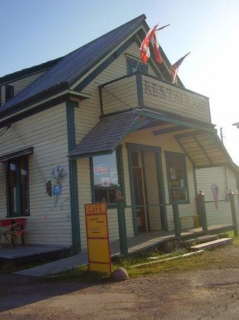 Spencer's Island Beach Cafe: Beachside Cafe