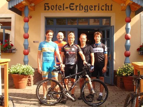 Hotel Erbgericht Buntes Haus: Mountainbiker