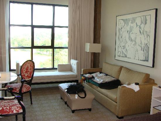 Proximity Hotel: Room furnishings